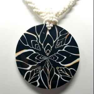 HANDCRAFTED GLASS BEAD & SHELL PENDANT NECKLACE